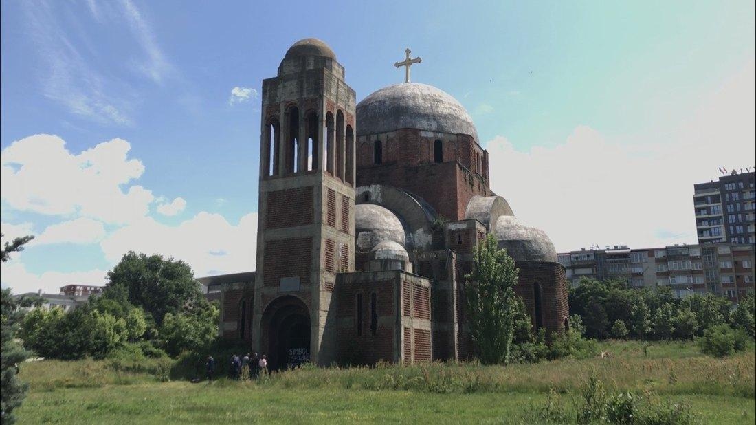 Čeku: Posebna jedinica kosovske policije štiti srpske crkve; KFOR: Osiguravamo bezbednost i slobodu kretanja