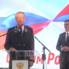 Čepurin se oprašta od Beograda, a Vučiću podario POSEBAN poklon, koji će oduševiti SRBE (FOTO)