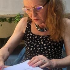 Ćerka i unuka formirale legat književnika Danila Nikolića - Poklonjen nameštaj iz piščevog stana!
