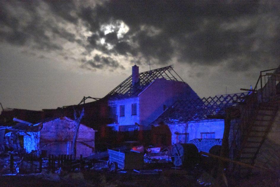 Češka: Najmanje 5 osoba stradalo u tornadu, stotine povređeno
