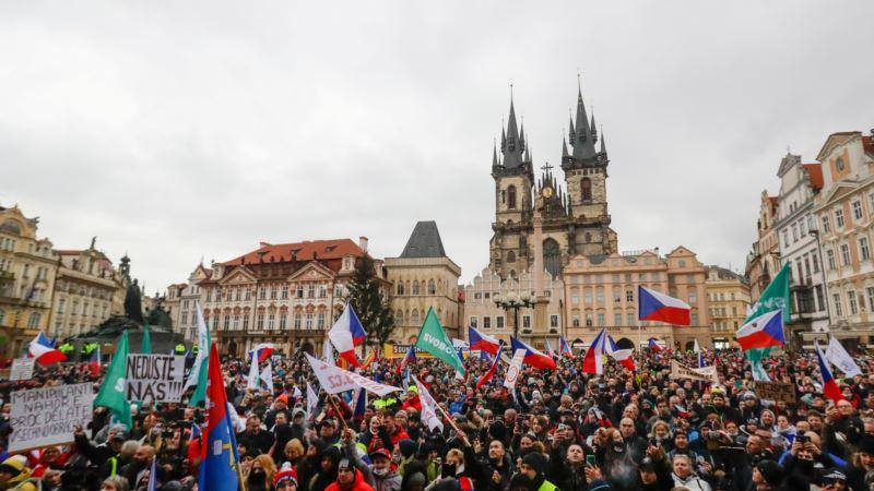 Češki poslanici se potukli tokom rasprave o pandemiji