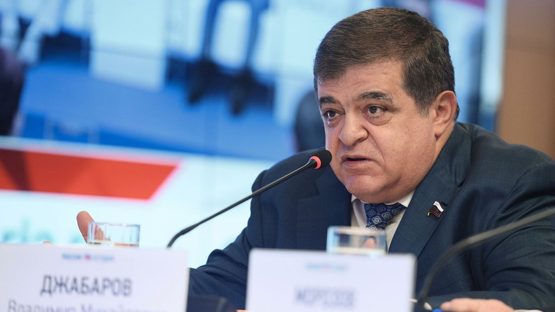 """""""Češki premijer se zaigrao predloživši evropskim zemljama da proteruju ruske diplomate"""""""