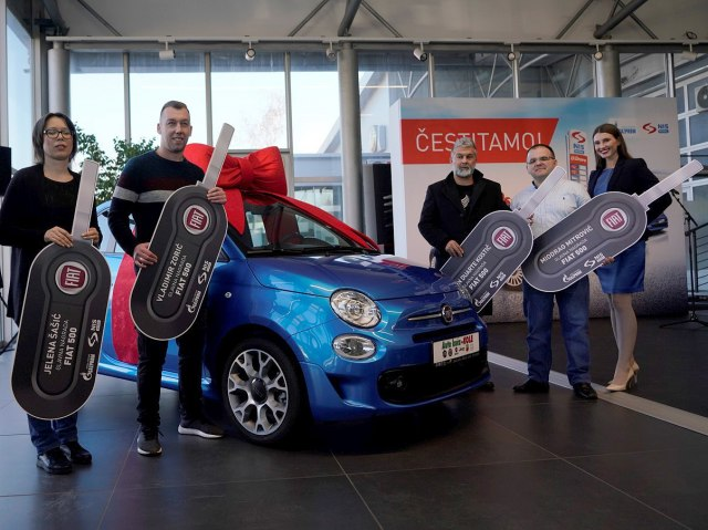 Četiri automobila FIAT 500 za verne potrošače NIS-a
