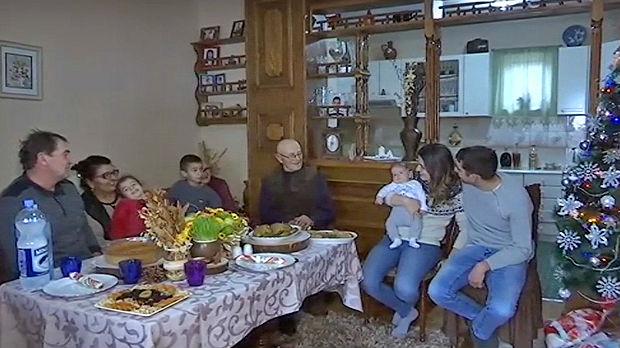 Četiri generacije pod istim krovom za Badnje veče