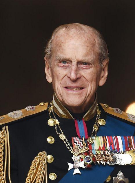 Četvoro dece preminulog princa Filipa u pratnji kovčega