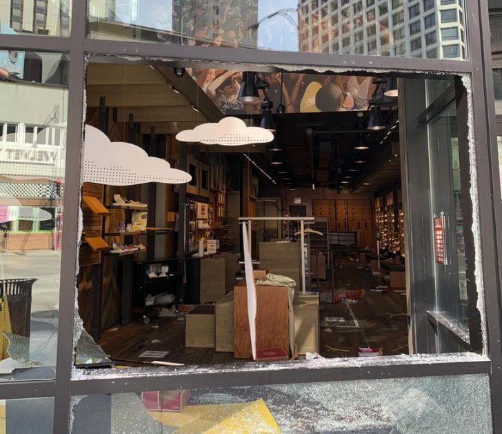 Čikago: Najavljen policijski čas posle nemira i pljački