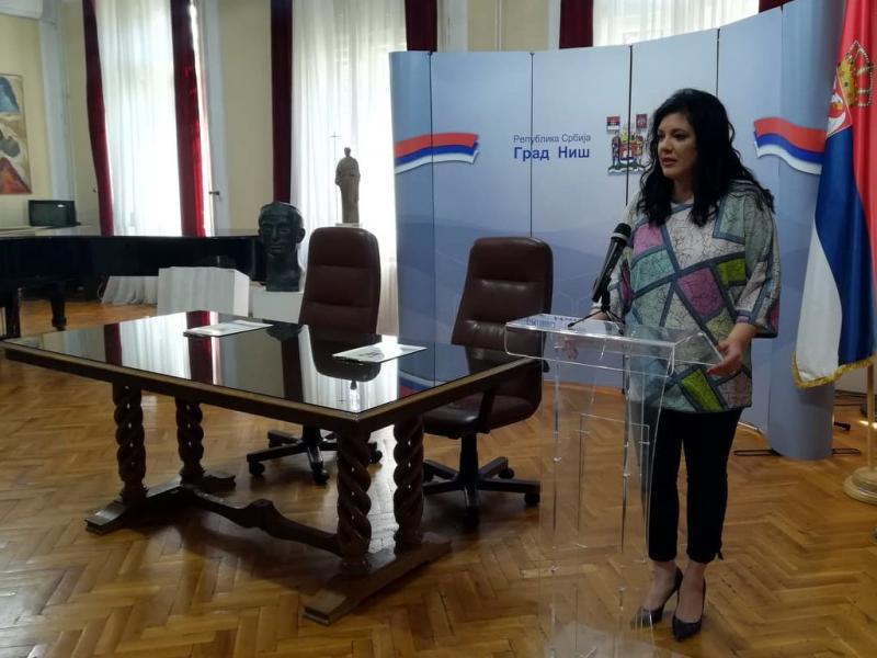 Članica Veća Marija Ranđelović i dalje je direktorka Narodnog univerziteta u Nišu