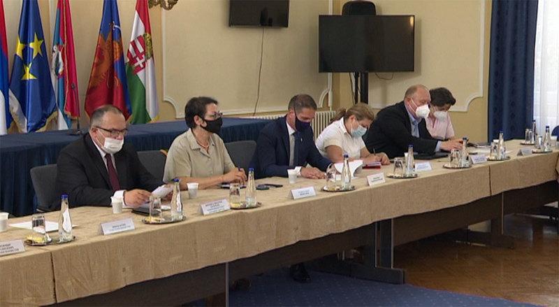 Čomić sa zvaničnicima Severnobanatskog okruga o Zakonu o planskom sistemu