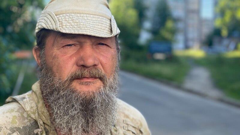 Čovek koji sam pešači Rusijom