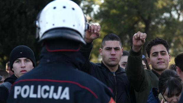 Crnogorska policija: Nećemo dozvoliti javna okupljanja kojima se krše mere