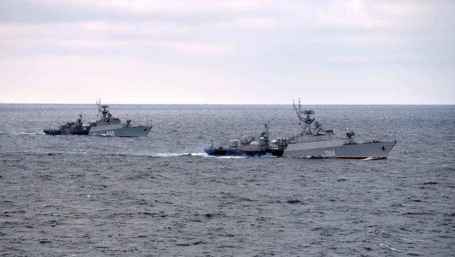 Crnomorska flota vežbala uz podršku aviona