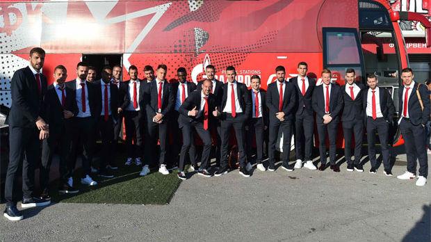 Crveno-beli krenuli za London
