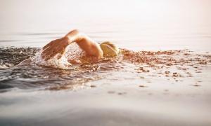 Čudo od deteta: Dvanaestogodišnjak preplivao Ohridsko jezero (VIDEO)