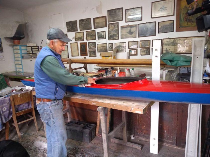 Čuvena tradicija izrade kajaka Zlatoja Tomina