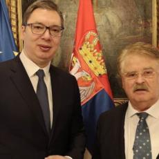 Čuveni nemački političar u poseti Srbiji: Vučić se sastao sa VELIKIM PRIJATELJEM naše zemlje (FOTO)