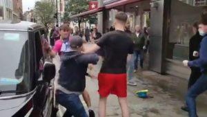 DA IM POZAVIDE MMA BORCI: EURO ne može da prođe bez incidenata – žestoka tuča na ulicama Londona, pesnice sevaju na sve strane! (VIDEO)