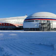 DA LI BISTE SE KUPALI U BAZENU NA ARKTIKU? Rusi nemaju problem s tim, vojska napravila najseverniji na svetu (VIDEO)