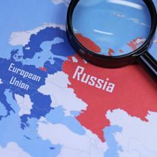 DA LI ĆE IM ZDRAVLJE BITI PREČE OD POLITIKE: Podnet zahtev za registraciju ruskog Sputnjika V u Evropskoj uniji