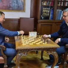 DA LI STE ZA JEDNU PARTIJU ŠAHA? Aleksandar Vučić se sastao sa Miloradom Dodikom (FOTO)