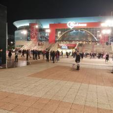 DA LI SU CRVENO-BELI OVO ZASLUŽILI? Neverovatna poseta u Štark areni (VIDEO+FOTO)