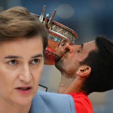 DA SE PONOVO RADUJEMO NOVIM TROFEJIMA Premijerka Srbije čestitala Novaku pobedu na Rolan Garosu