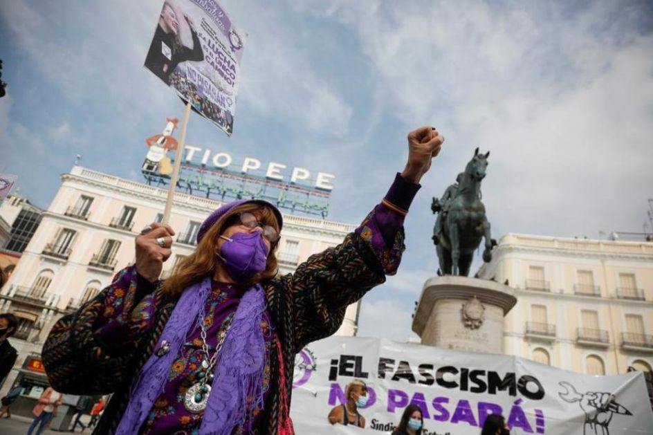 DAN ŽENA U ŠPANIJI Uprkos zabrani demonstranti izašli na ulice sa transparentima: Dosta s patrijarhalnom pravdom! (FOTO)