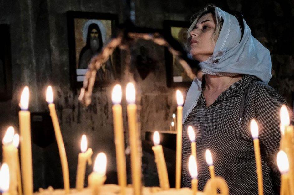 DANAS JE POSEBAN PRAZNIK: Po narodnom verovanju, večeras stavite čašu vrele vode pored kreveta, evo i ZAŠTO