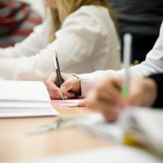 DANAS PROBA DRŽAVNE MATURE: Srednjoškolci polažu test iz matematike