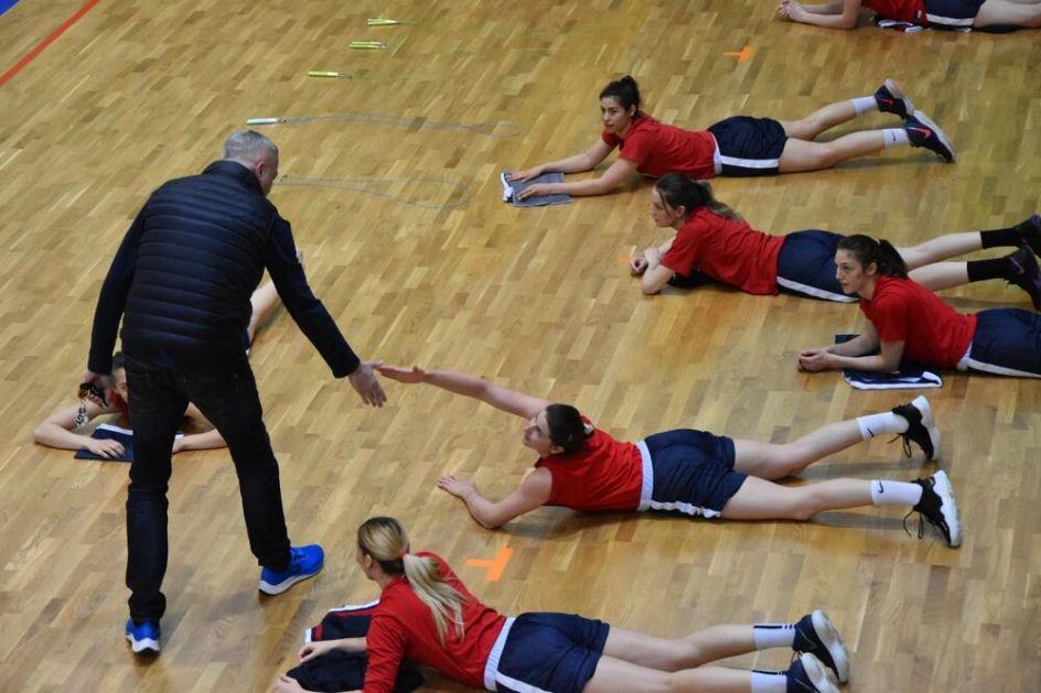 DANILOVIĆ NA ZLATIBOTU: Predsednik Saveza obišao košarkašice Srbije