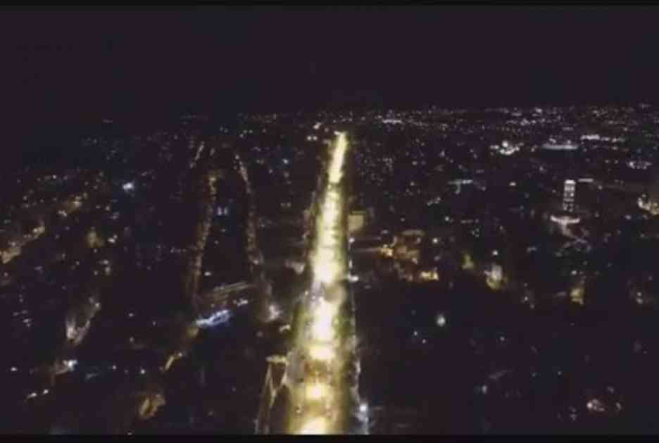 DELIJE ZAPALILE BULEVAR: Navijači Crvene zvezde slavili titulu u centru Beograda! Snimak iz drona je spektakularan (VIDEO)