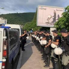 DEMOKRATIJA NA MILOV NAČIN: Pohapsili one što je izglasao narod, pa u zgradu opštine uveli NOVE FUNKCIONERE