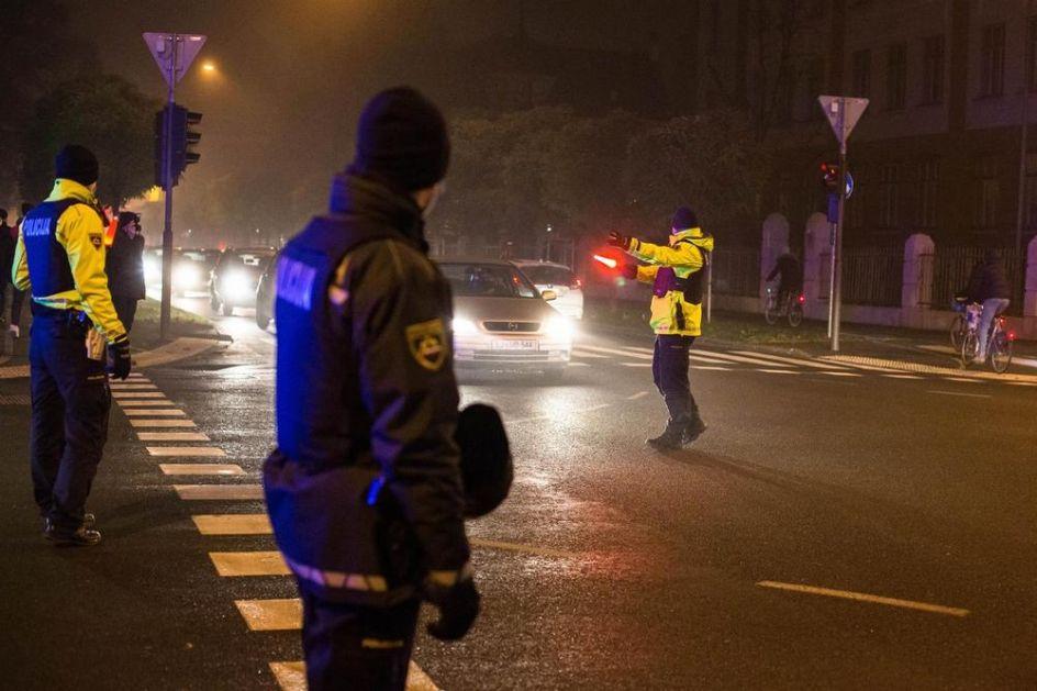 DEMONSTRANTI U SLOVENIJI IZAŠLI NA ULICE U AUTOMOBILIMA: Policija odmah reagovala, pljuštale kazne zbog nepoštovanja mera