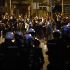 DESNIČARI DIVLJANJEM IZAZVALI NEREDE I POLICIJU Strani mediji objavili vesti o protestima u Srbiji