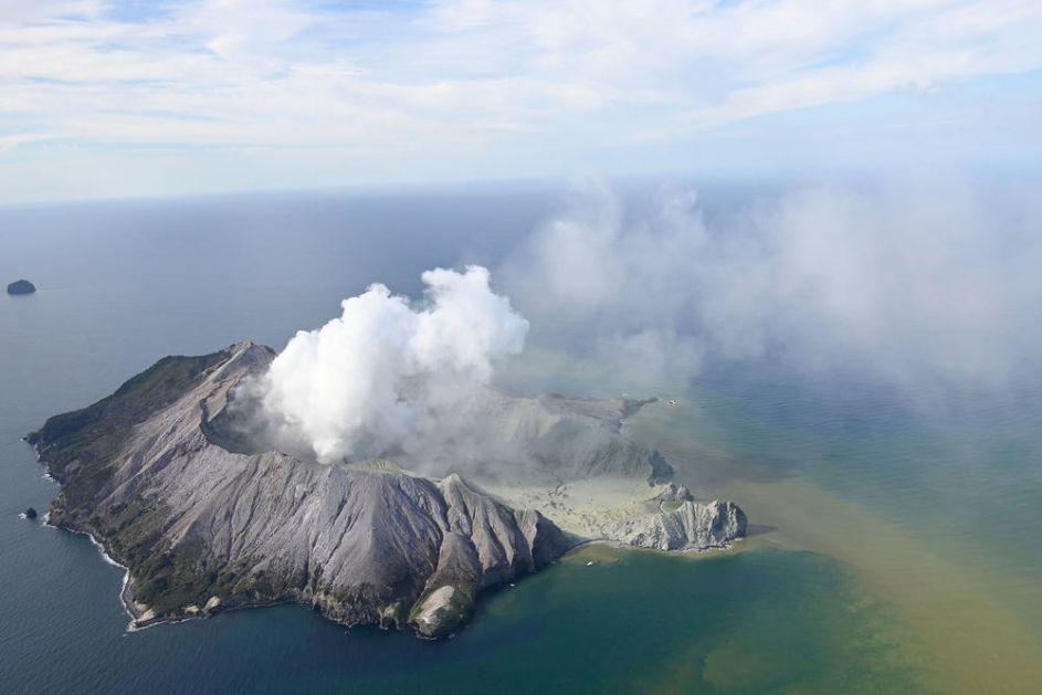DETALJI SA NOVOG ZELANDA: Erupcija vulkana rušila stene! Ljudi zadobili opekotine od vrele pare, udisali otrovne gasove!