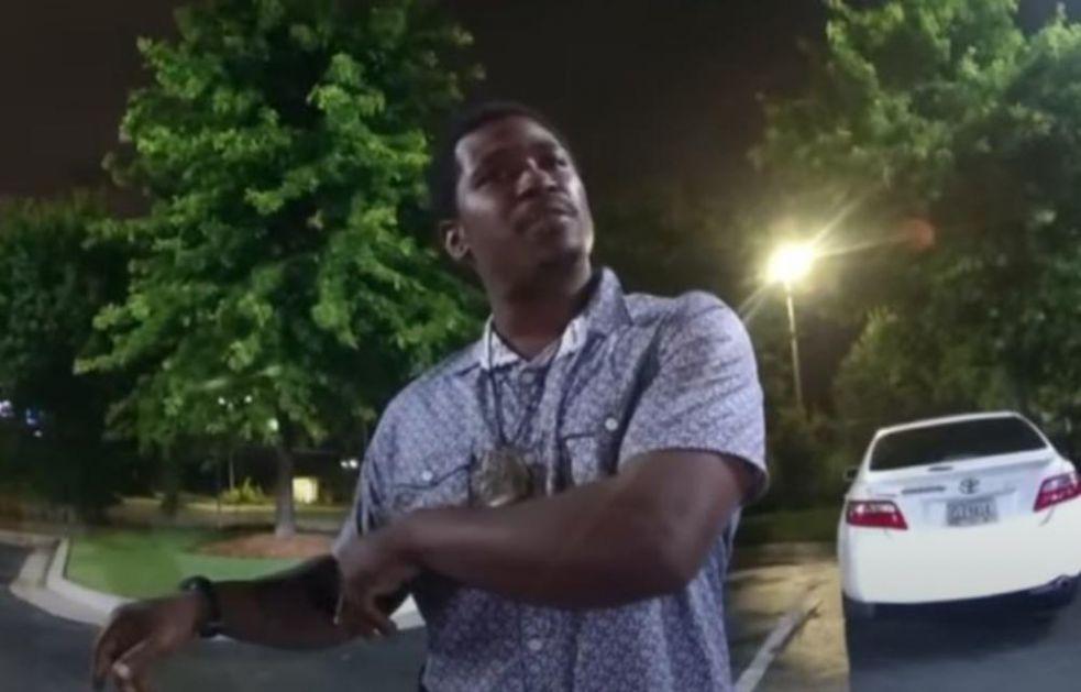 DETALJI UBISTVA AFROAMERIKANCA U ATLANTI: Policajci vikali na njega da prestane da se bori, upucali ga sa 3 hica u leđa
