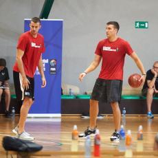 DETONACIJA U NBA: Sakramento SPREMAN da TREJDUJE Bogdana i Belog