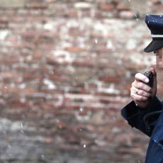DEVOJČICU (10) ODVUKAO U TOALET I POKUŠAO DA JE SILUJE: Policija privela manijaka iz beogradskog tržnog centra