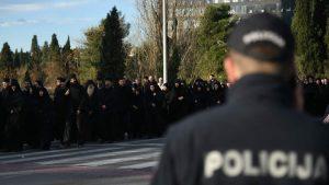 Deset osoba uhapšeno, tri policajca povređena u incidentima u Podgorici