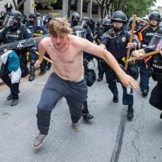 DIVLJANJE NA ULICAMA ITALIJE: Protesti u više gradova zbog mera protiv pandemije, leteli molotovljevi kokteli