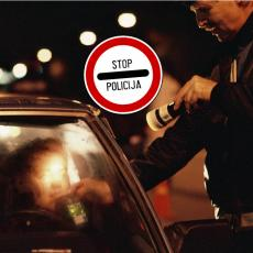 DIVLJAO PO AUTO-PUTU U BEOGRADU: Mladić pod dejstvom alkohola vozio 160 na sat na mestu gde je dozvoljeno 80