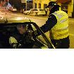DIVLJAO SA 2,79 PROMILA Pijani vozač udario saobraćajca kada je pokušao da ga zaustavi, pa bežeći od policije izazvao još jedan sudar