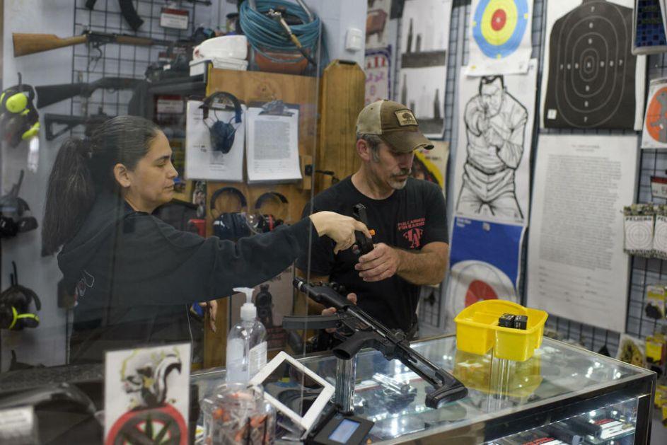 DIVLJI ZAPAD Nestašica municije u Americi usled velikog porasta prodaje oružja!