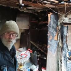 DOBAR KOMŠIJA VREDI KAO BRAT! Dragoljubu sa Voždovca izgorela kuća, susedi mu sagradili novi dom!