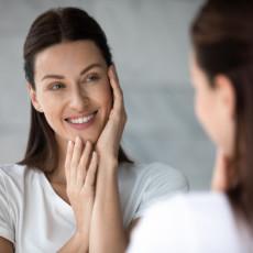 DOBRO POGLEDAJTE SVOJE LICE: Ove PROMENE na koži mogu da ukazuju na ozbiljna OBOLJENJA