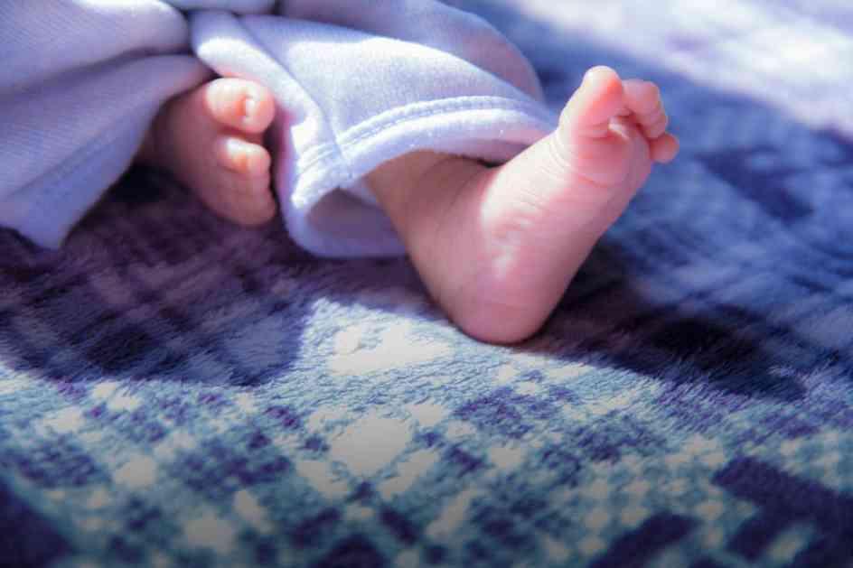 DOBRODOŠAO, MALIŠA: Dečak iznenadio mamu, požurio i rodio se na trajektu!