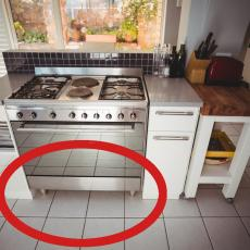 DOMAĆICE OVO RADITE POGREŠNO: Fioka u šporetu ne služi za odlaganje sudova!