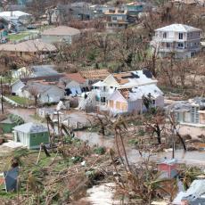 DORIJAN OSTAVIO PUSTOŠ ZA SOBOM: Broj nestalih na Bahamima stigao do 2.500 ljudi, spasioci i dalje pretražuju ruševine! (VIDEO)