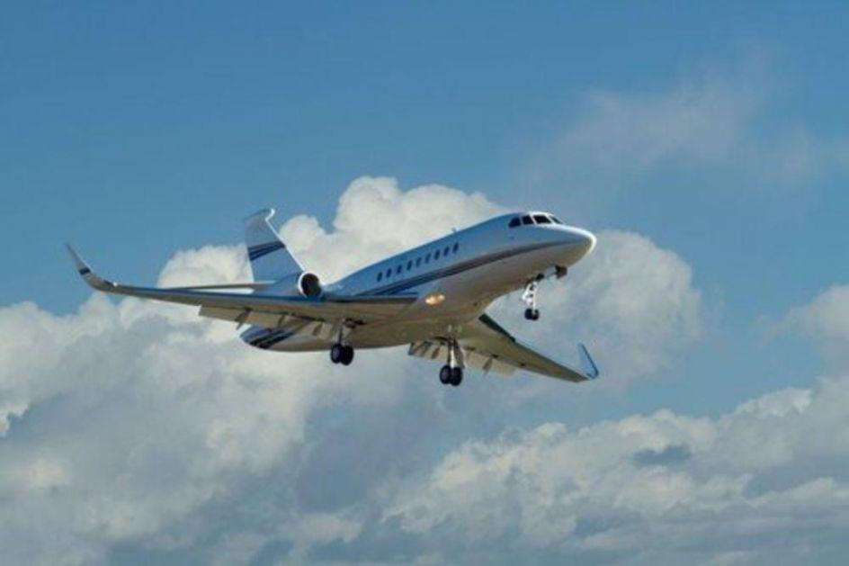 DRAMA NA ALJASCI: Avion sa srednjoškolcima skliznuo sa piste dok je pokušavao da poleti! (FOTO)