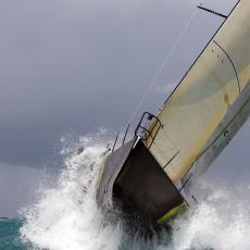 DRAMA NA PUTU OKO SVETA: Britanku na jedrilici spasao iz oluje teretni brod
