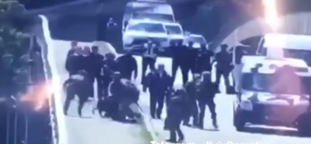 DRAMA U KIJEVU: Pretio da će se razneti na mostu, policija ga brzo savladala (VIDEO)